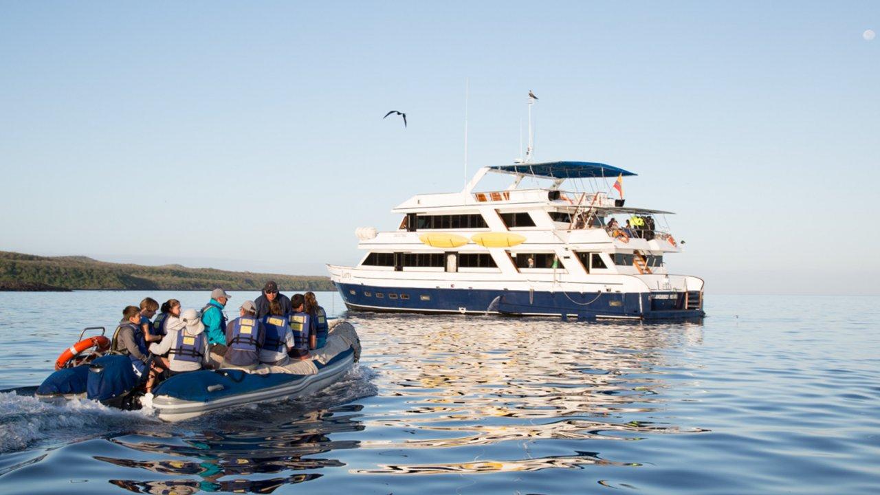 Galapagos cruise tours