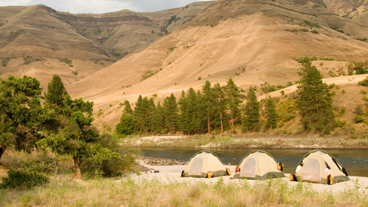 tents along the salmon river