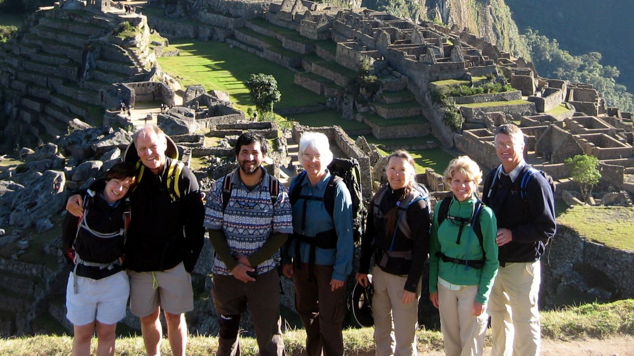 family on hiking tour in Peru