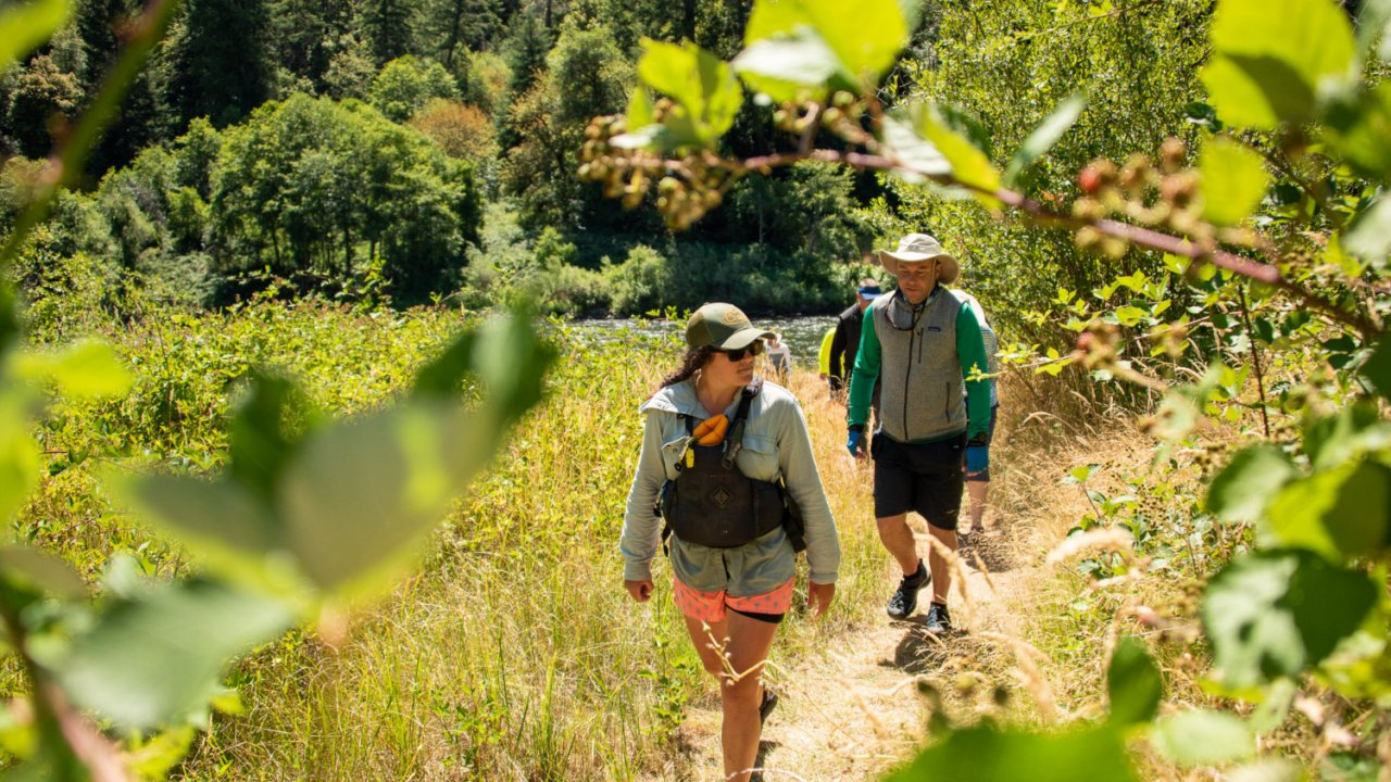 hiking along Oregon's rogue river