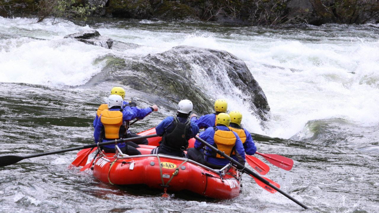 whitewater rafters on the lochsa river