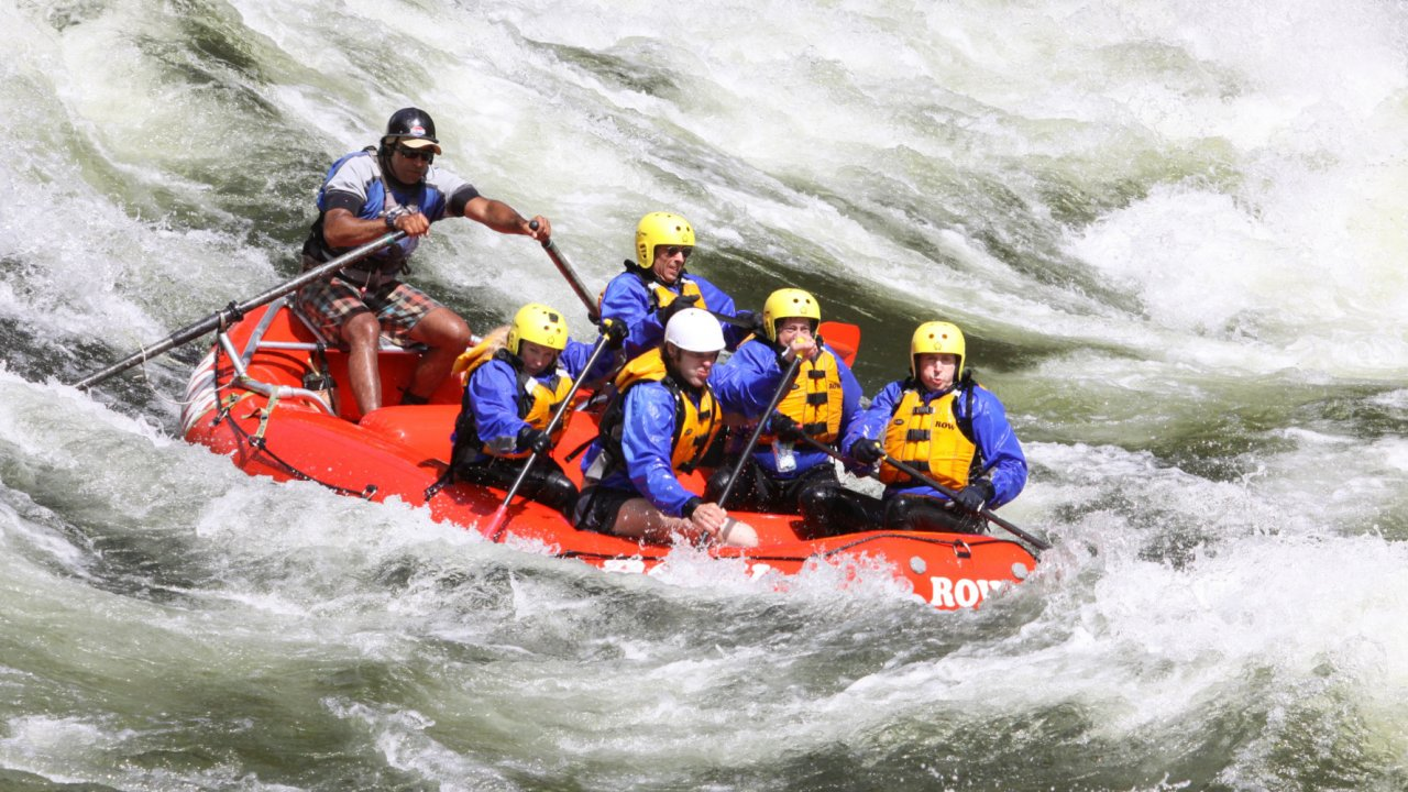 whitewater raft on the lochsa river