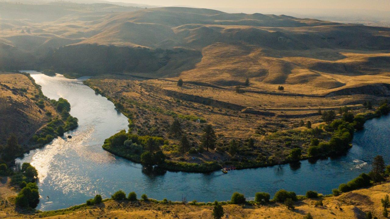 deschutes river landscape overlook