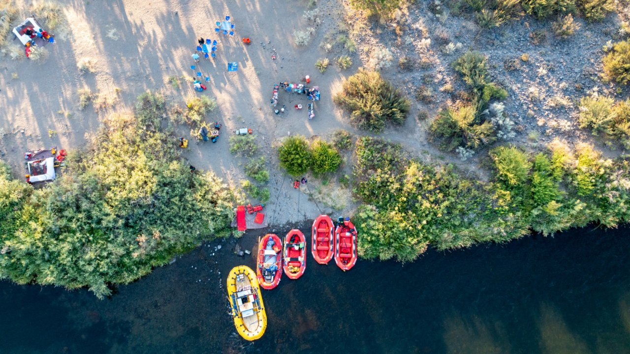 overview of rafting camp along the deschutes river