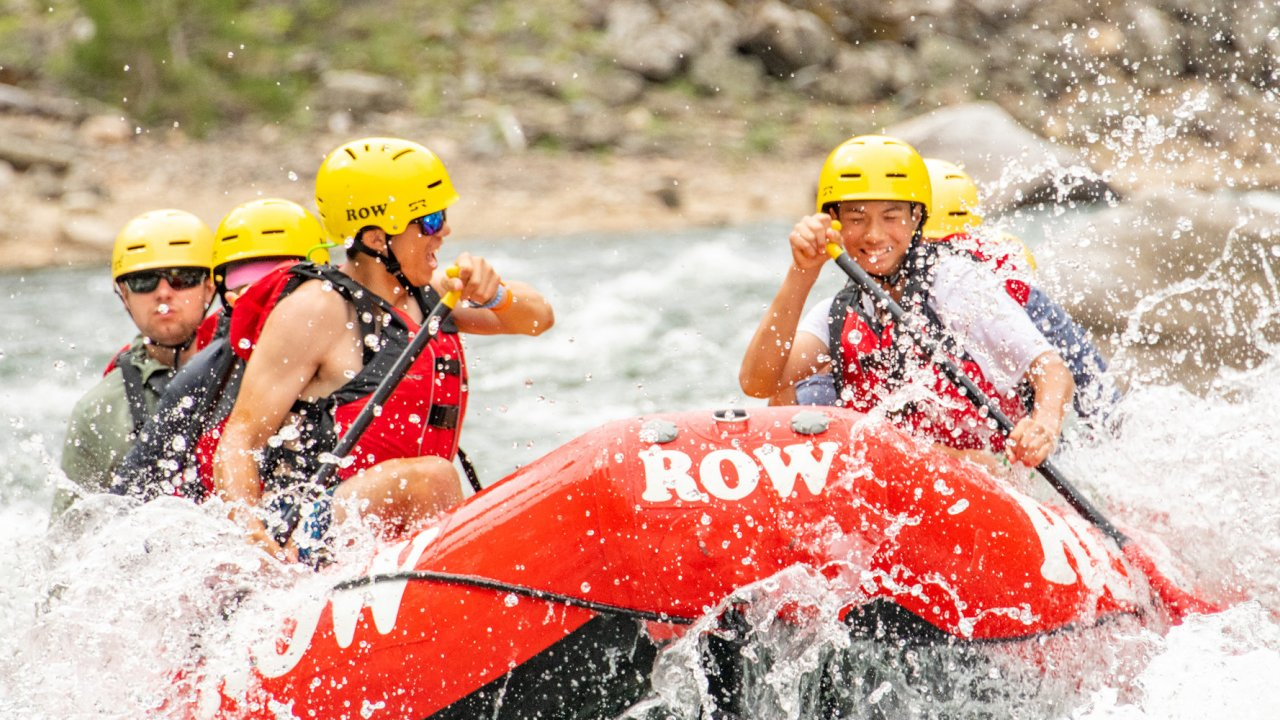 whitewater raft on the salmon river