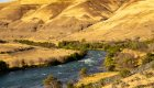 oregon landscape along the deschutes river
