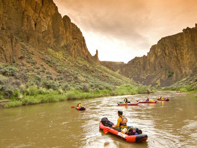 kayaking on the owyhee river