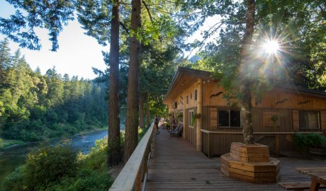 Paradise lodge along the rogue river in Oregon