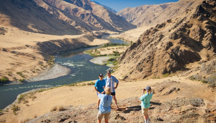 Hiking along Snake River